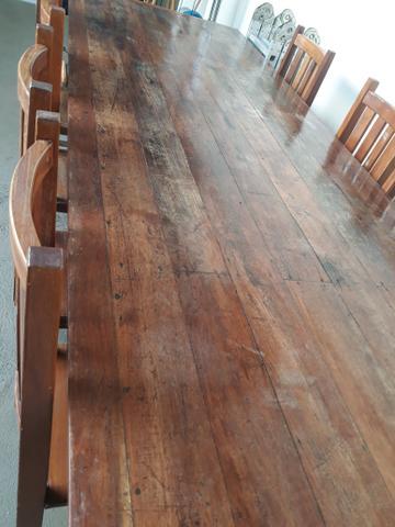 Mesa e 10 cadeiras de madeira de lei com 3 m de comp. por 1
