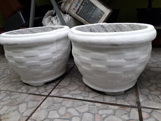 Vasos de Cimento Decorados Para Frutíferas e Plantas em