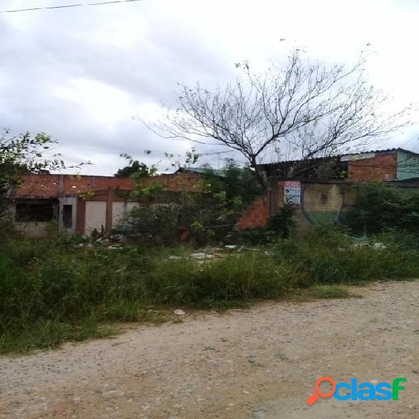 Terreno plano, murado e em local alto - Dona Fina - Vila