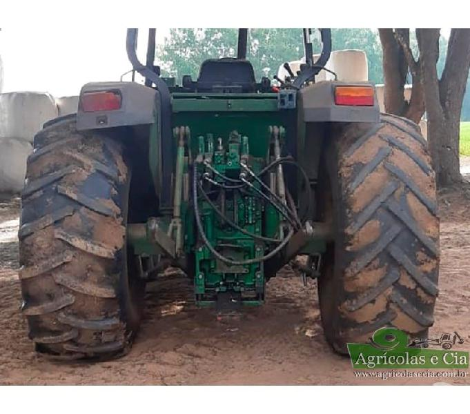 Trator John Deere 6405 4x4 (Com Concha Frontal JD 563)