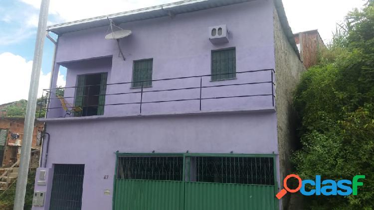 Vendo Excelente Casa com 03 Quartos e 1 Suite na Colonia