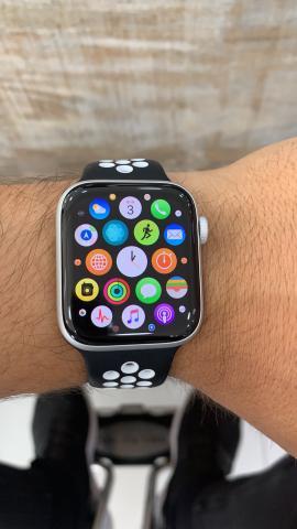 Apple Watch série 4 44mm 1 ano de garantia