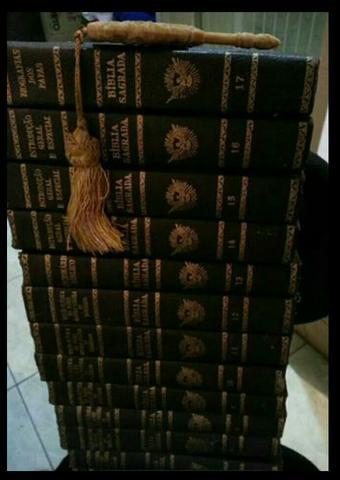 Bíblia de  em 17 volumes