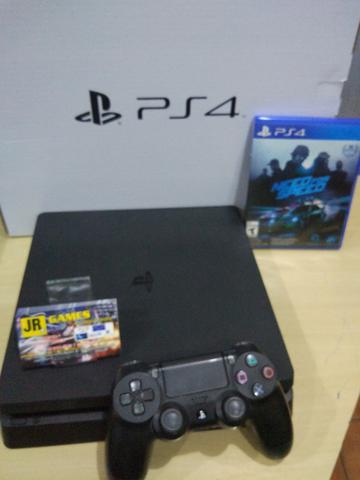 PlayStation 4 Slim / Estado de novo / Com Garantia