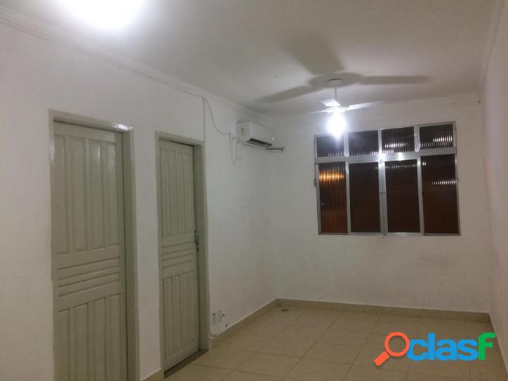 Apartamento Dois Dormitórios, BNH, Bairro Forte, Praia