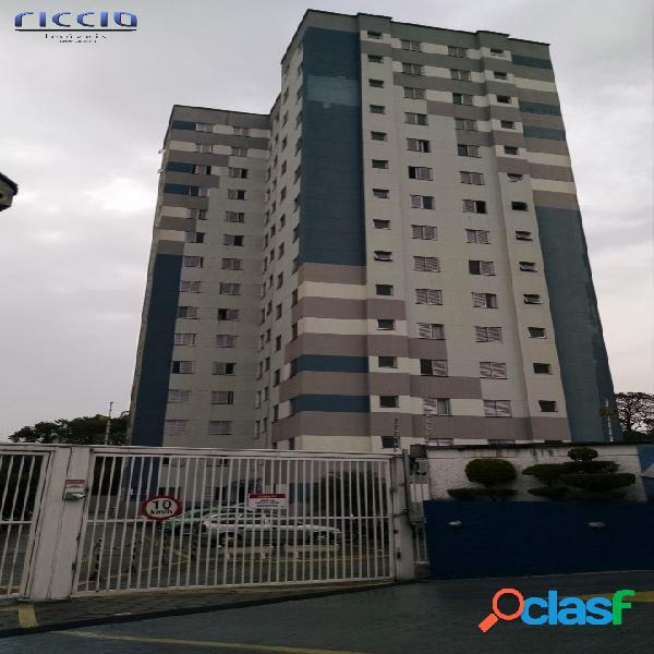 Apartamento com 3 dormitórios no Monte Castelo