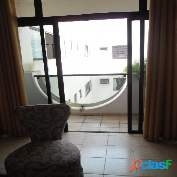 Apartamento de 2 dormitórios com dep. empregada Itararé!!