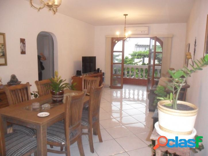 Apartamento de 2 dormitórios de Frente no Itararé Sv!