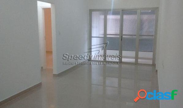 Apartamento em Santos, 2 dormitórios, dependência