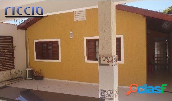 Bela casa em condomínio fechado na cidade de Caçapava