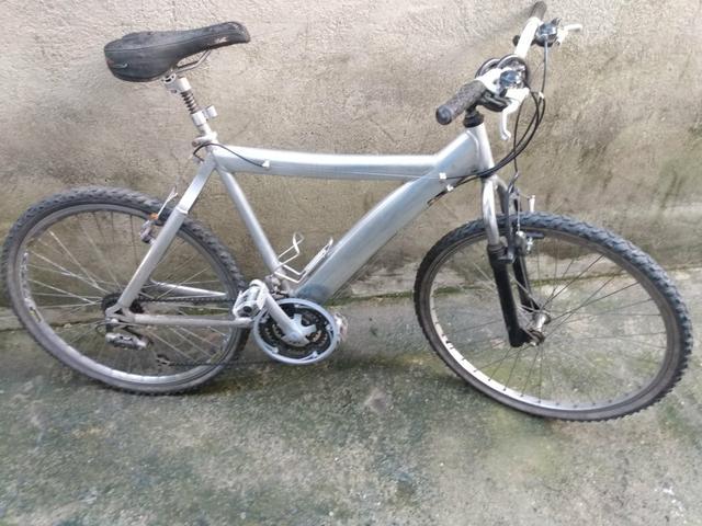 Bicicleta aro 26 toda alumínio