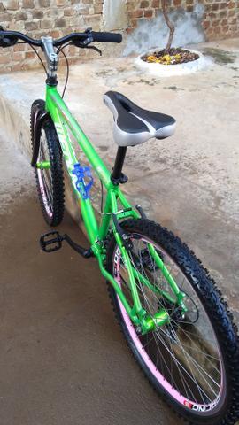 Bicicleta aro 26 toda de alumínio