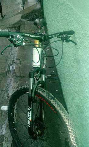 Bicicleta aro 29 VENZO vendo ou troco em iPhone