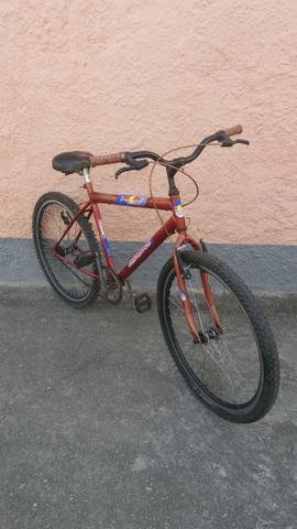 Calói Red Bull aro 26, muito inteira, Bike òtima para