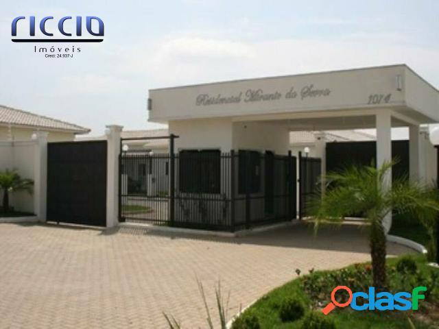 Casa em condomínio em Jacareí, com 2 dormitórios