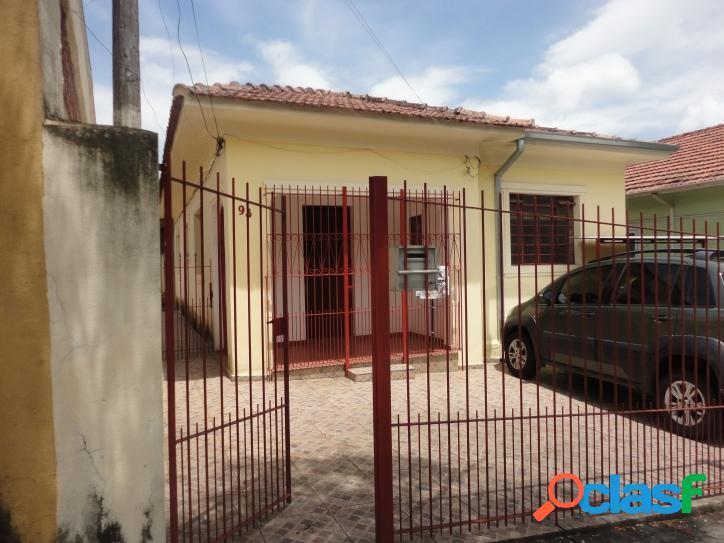 Casa no Jardim Bela Vista, com terreno de 394m²