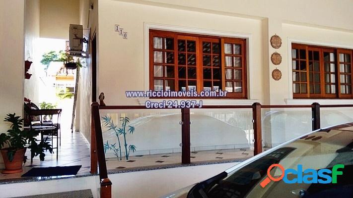 Linda Casa térrea Jardim das Bandeiras Taubaté-SP 203 m²