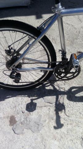 Linda bike toda em alumínio