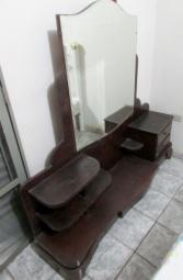 Penteadeira Antiga de Madeira Maciça Usada