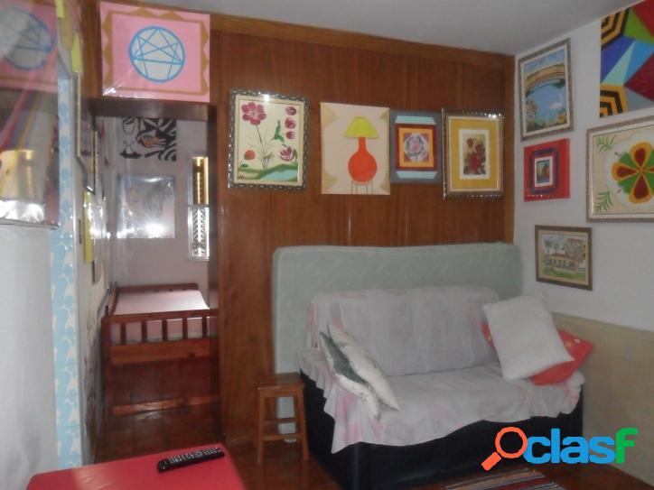 Sala Living dividida para 1 dormitório Centro de Sv!