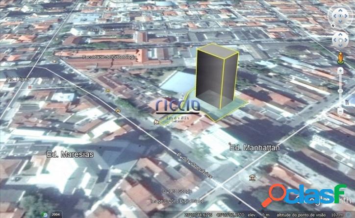 Área de 1.350 m² Centro Taubaté - Estuda Incorporação