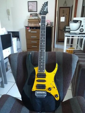 Linda Guitarra Ibanez Gio em excelente estado, regulada por