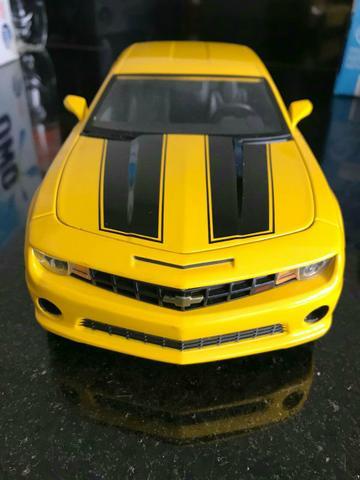 Camaro amarelo 1:18 Jada Toys