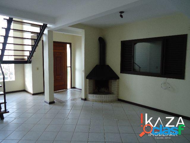Casa 04 Dorm./01 Suíte c/ Closet - 02 Vgs - Campeche