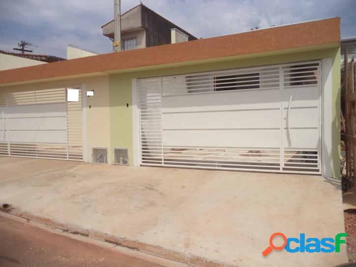 Casa c/3 Dormitórios, em Atibaia, Ótima Localização.