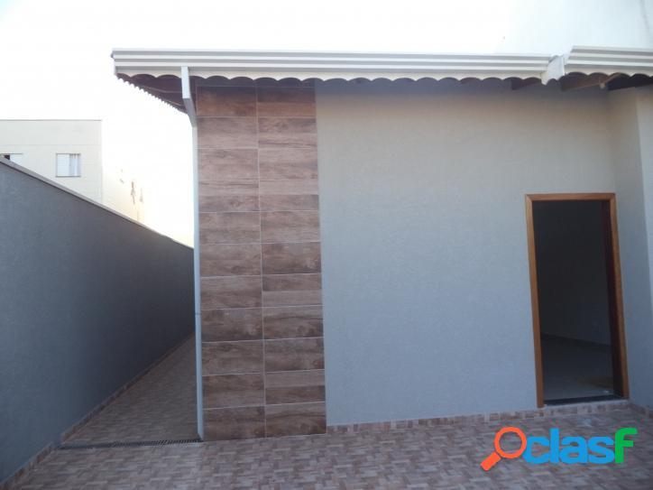 Casa em Atibaia ótima Localização com Três Dormitórios.