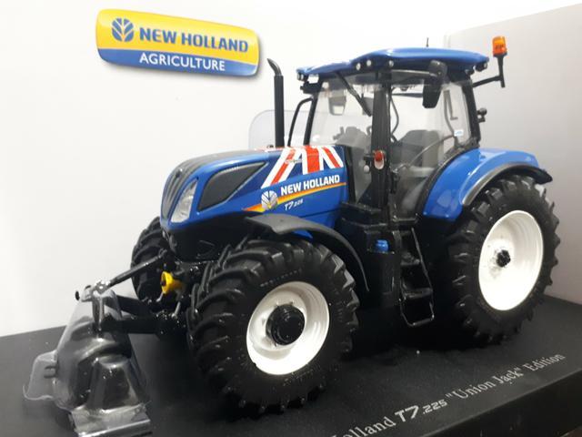 Miniatura Trator Agrícola New Holland T7 Série Especial