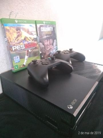 Vendo xbox one 500gb completo com 2 controles e 10 jogos