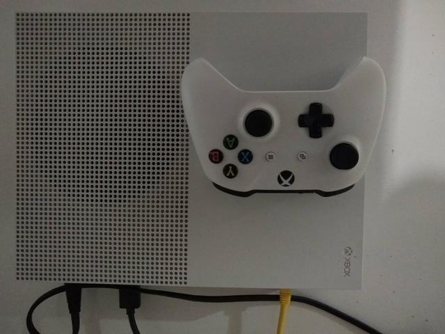 XBOX ONE S 500gb COMPLETO