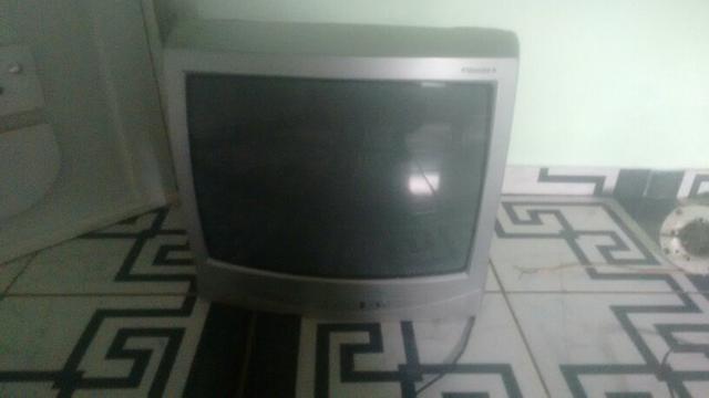 Vendo ou troco tv de tubo 20 polegada