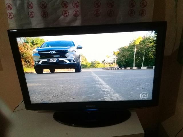 Vendo tv 40 polegadas lcd samsung