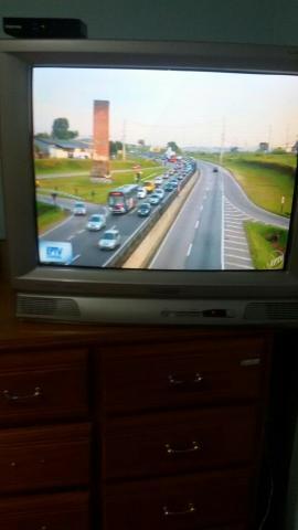 """Vendo tv de tubo 29 """" (com conversor digital e antena)"""