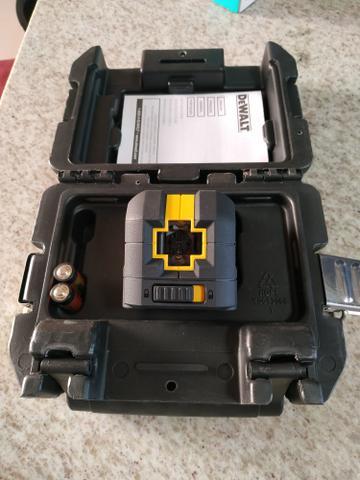 Nível a laser com 2 linhas alcance de 12 metros - DW