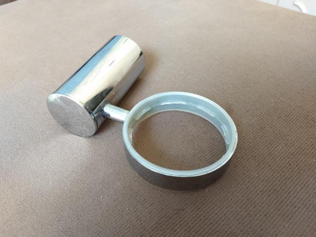 Base de Porta Sabonete em Metal Cromado - Acabamento Redondo