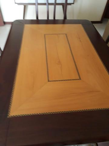Conjunto mesa e 6 cadeiras em mogno