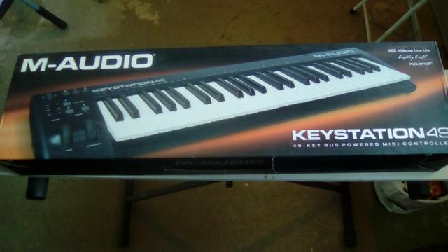 Controlador midi M-Audio Keystation 49