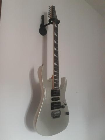 Guitarra, e pedaleira V amp