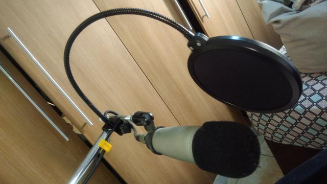 Pop Filter Studio Filtro Anti Puff para Microfone