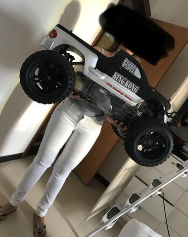Automobilismo King Kong carro controle remoto