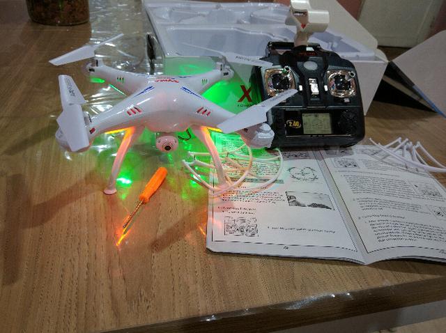 Drone Syma original Câmera Hd/Trem de pouso e Wifi