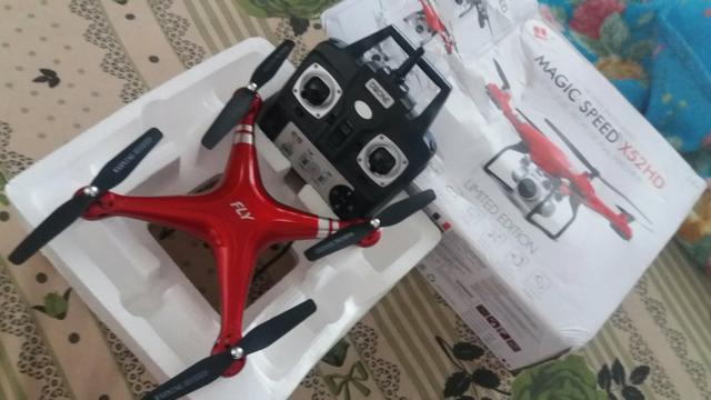 Drone completo com câmera na caixa zero