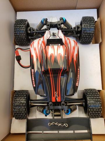 Wltoys A959. controle remoto a bateria. tração 4x4