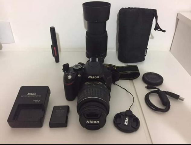 Câmera profissional nikon d com duas lentes,pouco usada