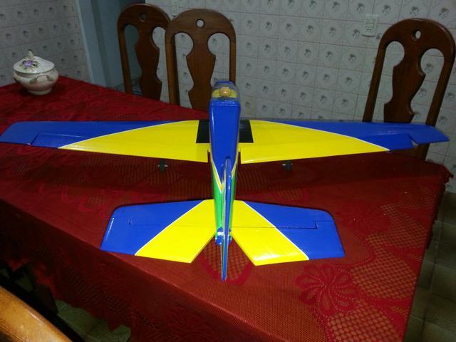 Aeromodelo Tucano T27