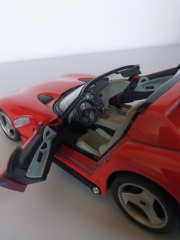 Miniatura Dodge Viper RT/10, réplica 1:18