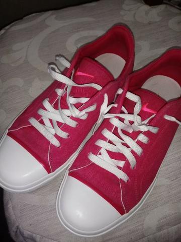 Tênis Nike Feminino Tamanho 38 - Bem Novinho!